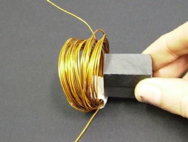 090cd3dccb8 A agulha da bússola indica passagem da corrente